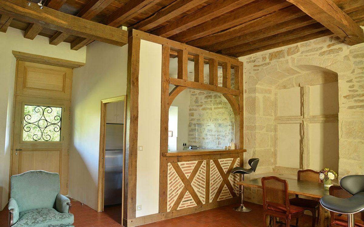 autre vue de l'aménagement intérieur en bois par les Charpentiers montbardois à Montbard