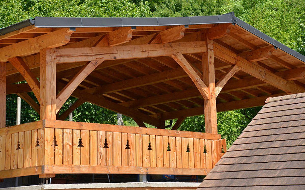Auvants en bois réalisé par les Charpentiers montbardois à Montbard