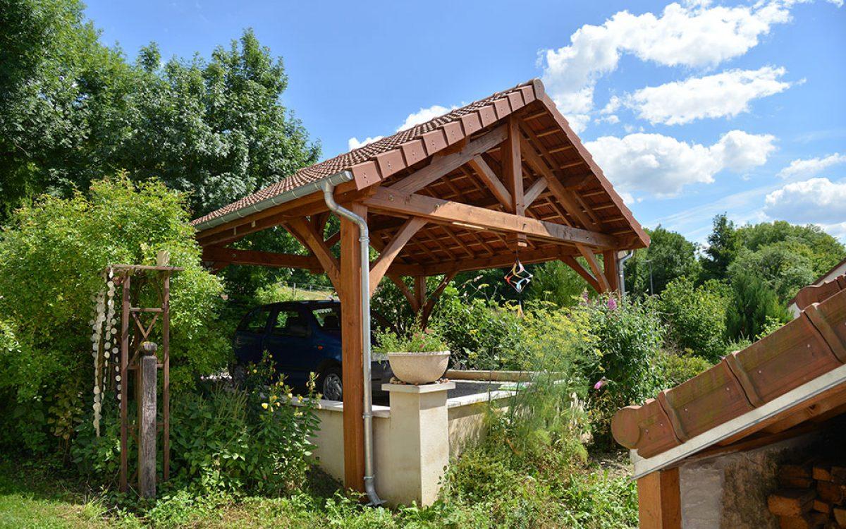 Appentis de jardin réalisé par les Charpentiers montbardois à Montbard