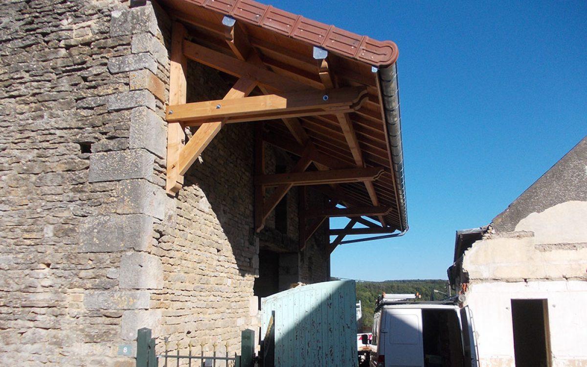 Auvents réalisé par les Charpentiers montbardois à Montbard
