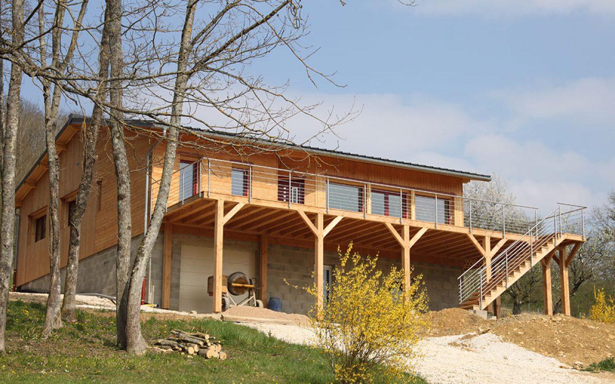 terrasse en bois par les Charpentiers montbardois à Montbard