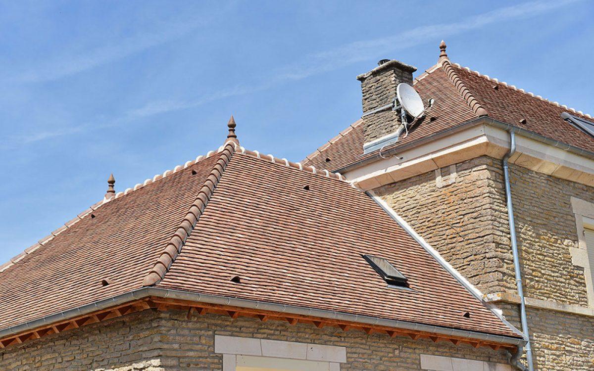 travail de toiture de bâtiment réalisé par les Charpentiers montbardois à Montbard